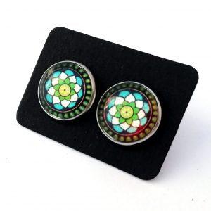 Kolczyki stalowe sztyfty wykonane ze stali szlachetnej 360L. Posiadają grafiki w postaci kolorowych mandali. Idealne dla fanek biżuterii etnicznej i boho.